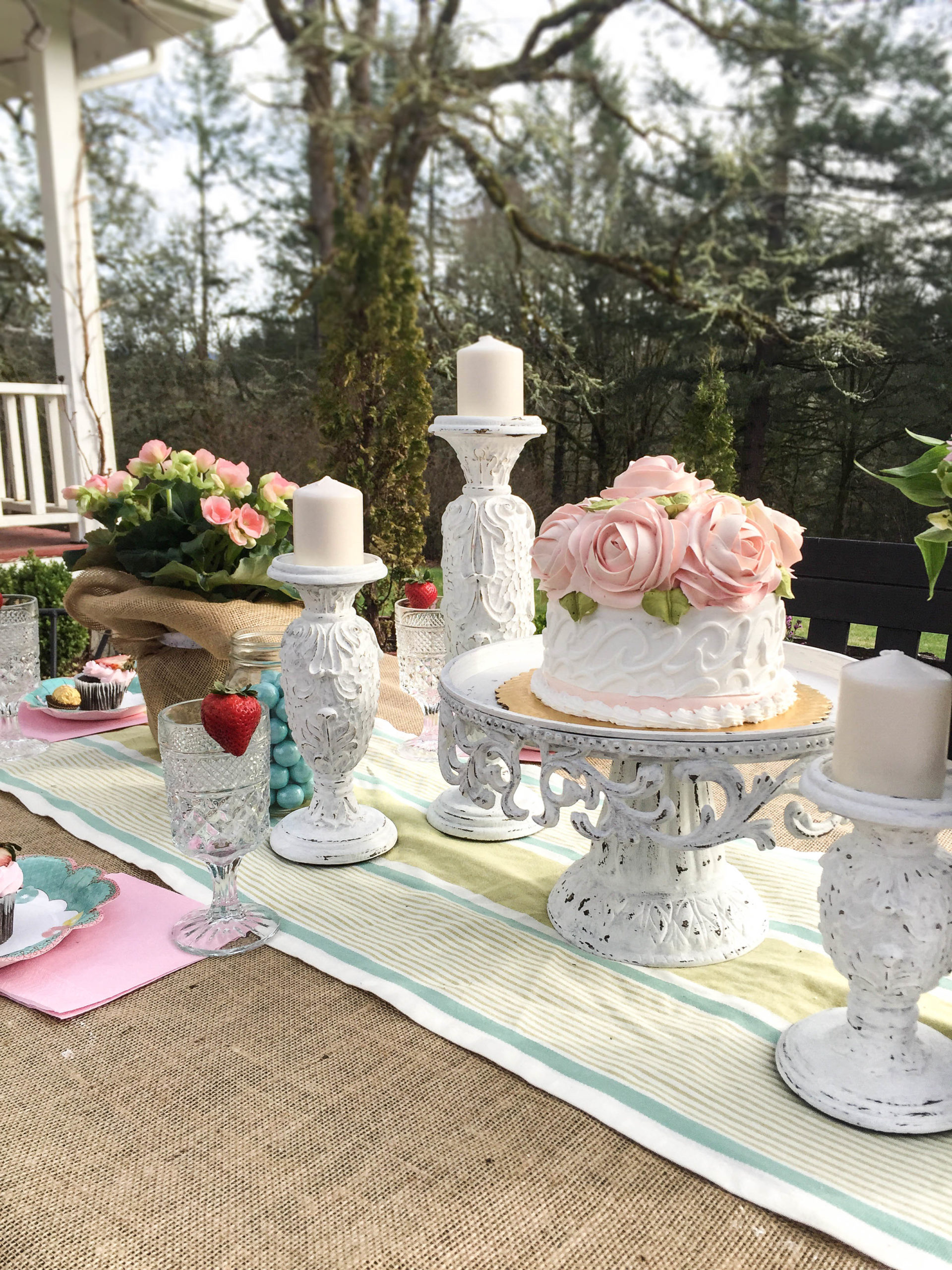 Creative Outdoor Dining Ideas for Your Easter Brunch Farmhouse Style
