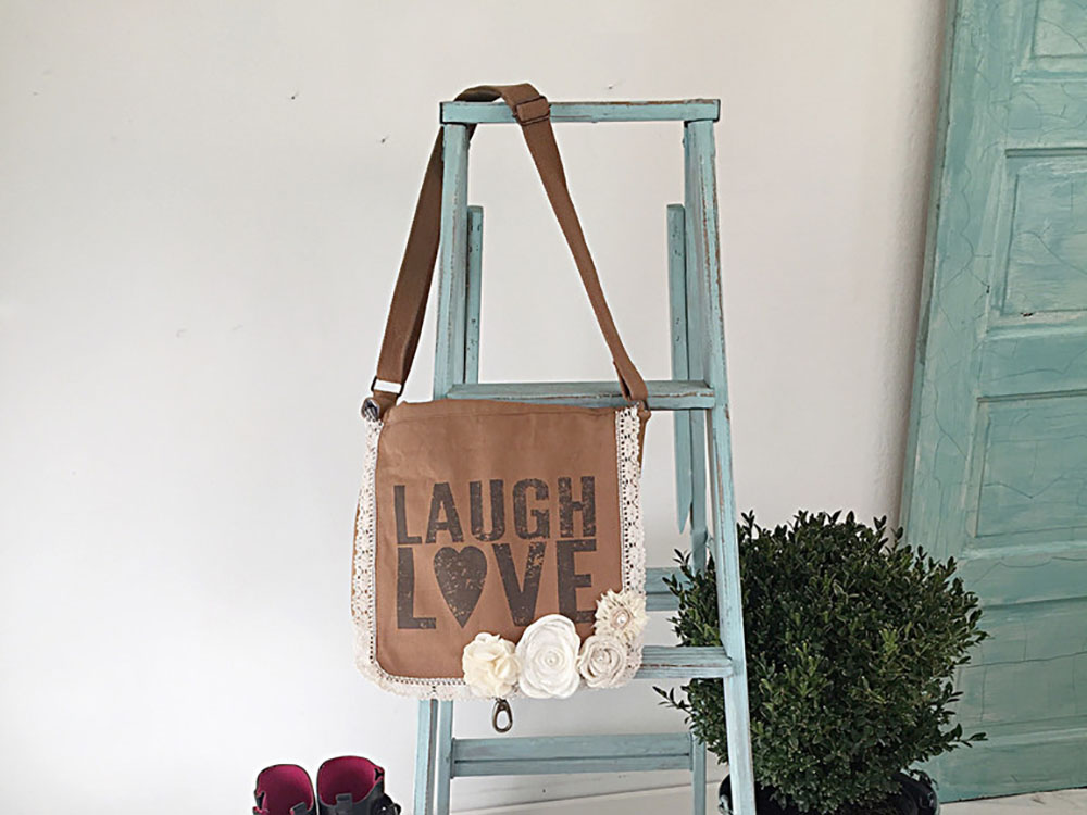 DIY Farmhouse Ladder – Our Favorite Aqua Blue