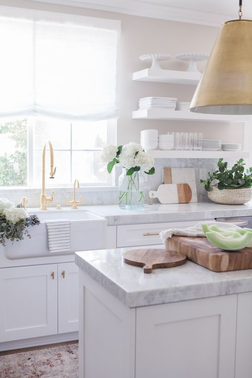 5 Farmhouse Kitchen Sinks We Love by Hallstrom Home