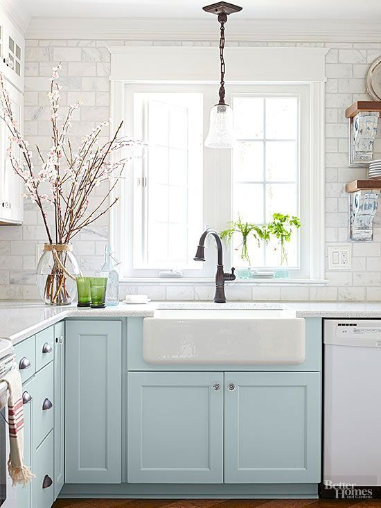 Hallstrom Home-5 Farmhouse Kitchen Sinks We Love