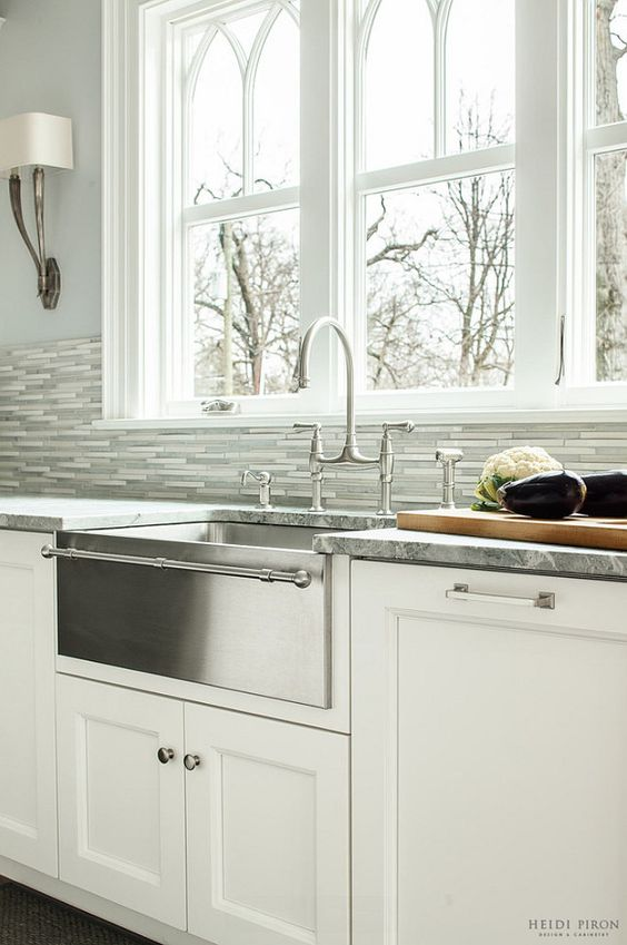 Hallstrom Home ~ 5 Farmhouse Kitchen Sinks We Love
