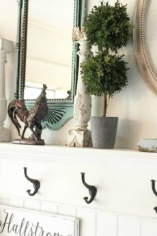 How to Decorate a Small Entryway - Hallstrom Home