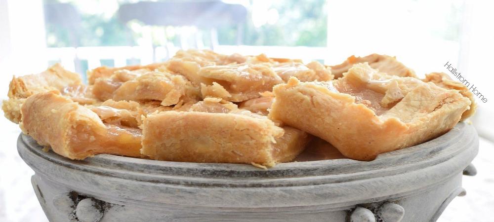 Simple Pear Bar Recipe for Farmhouse Living