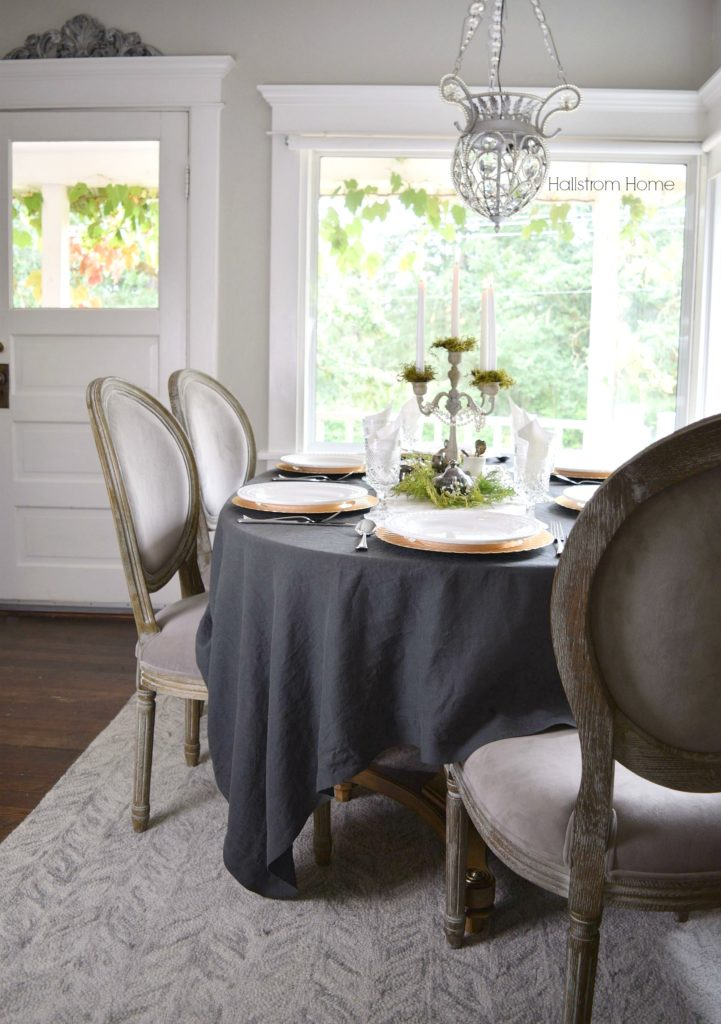 7-secrets-to-a-cozy-thanksgiving-table-setting-hallstrom-home-1