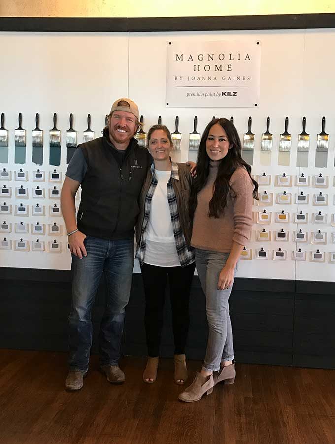 Personally Interviewing Chip and Joanna Gaines Fixer Upper|chip and joanna|Magnolia market|farmhouse decor|hearth and hand|chip and jo interview|magnolia silos|Kilz Paint|magnolia table|modern farmhouse|fixer upper|HGTV|Magnolia Market list|fixer upper interview|hallstrom home