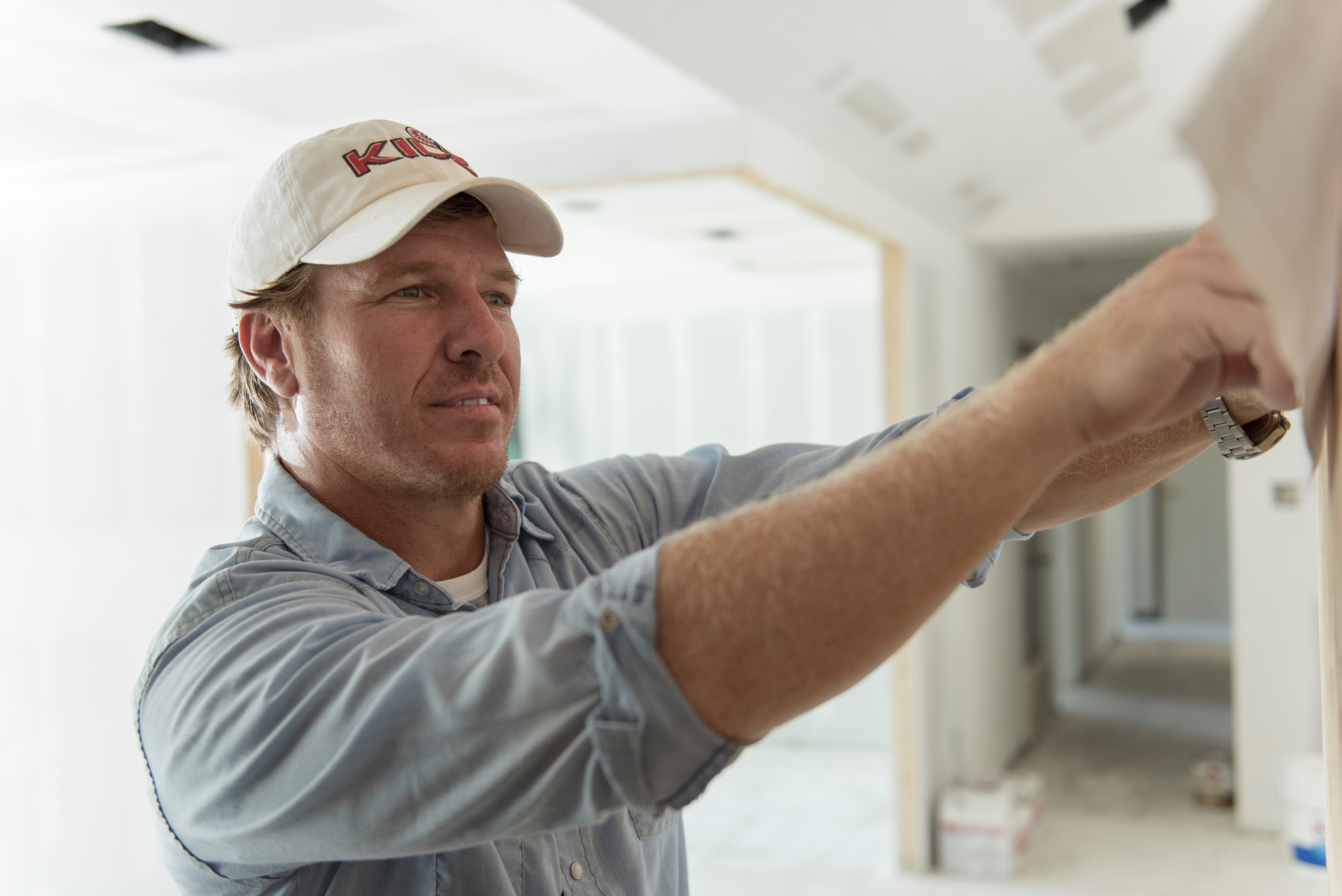 Chip Gaines with Kilz brand primer