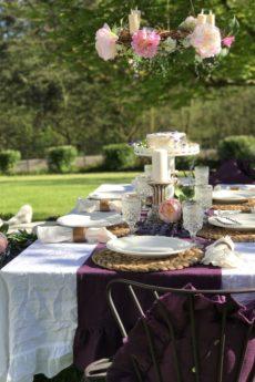 Outdoor Dining shabby chic style