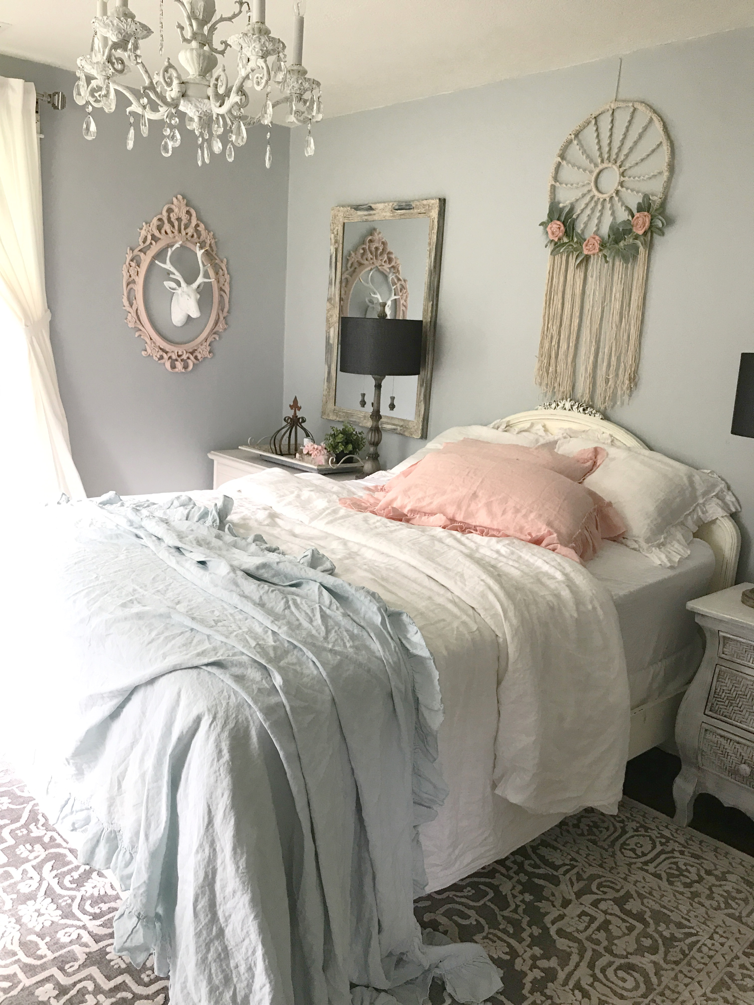 My daughters shabby chic bedroom hallstrom home for Shabby chic instagram