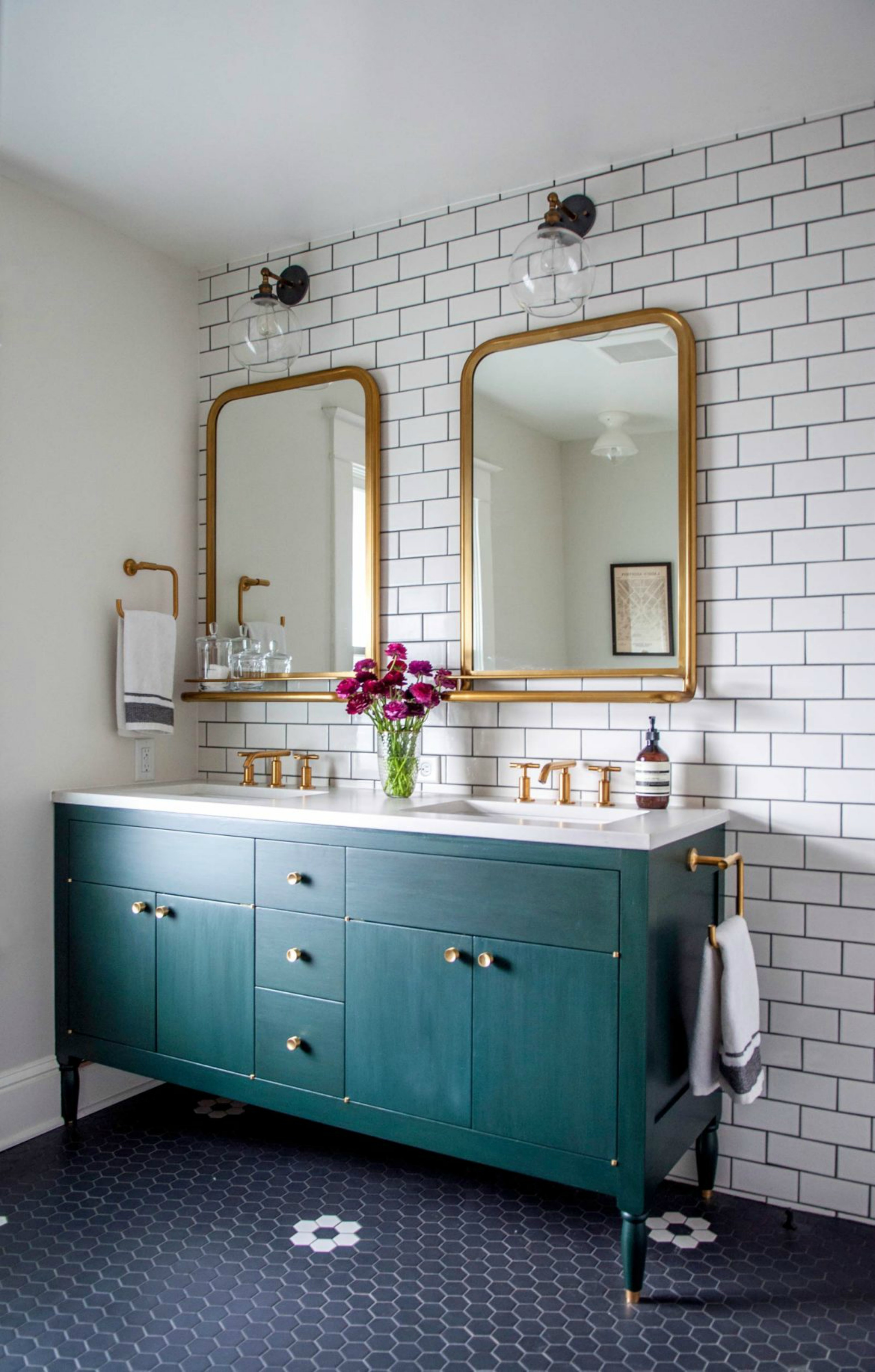 19 Trendy Bathroom Mirrors