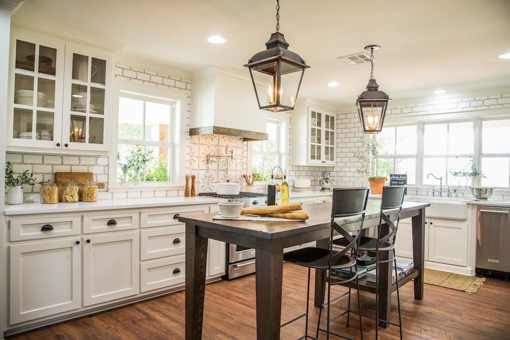 seven farmhouse kitchen designs