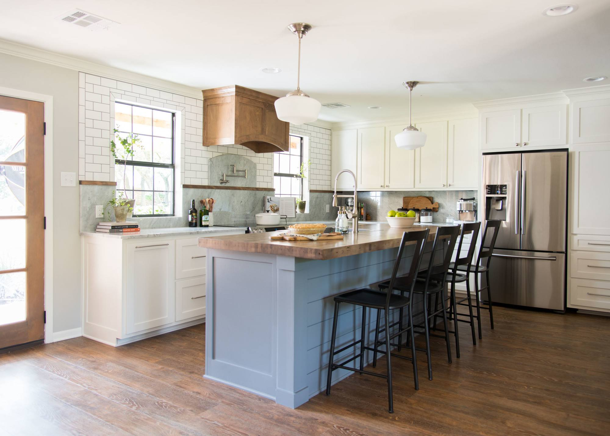 kitchen design instagram seven farmhouse kitchen designs hallstrom home 307