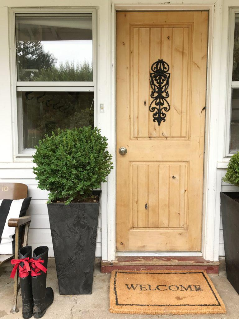 How to Refinish a Wood Exterior Door