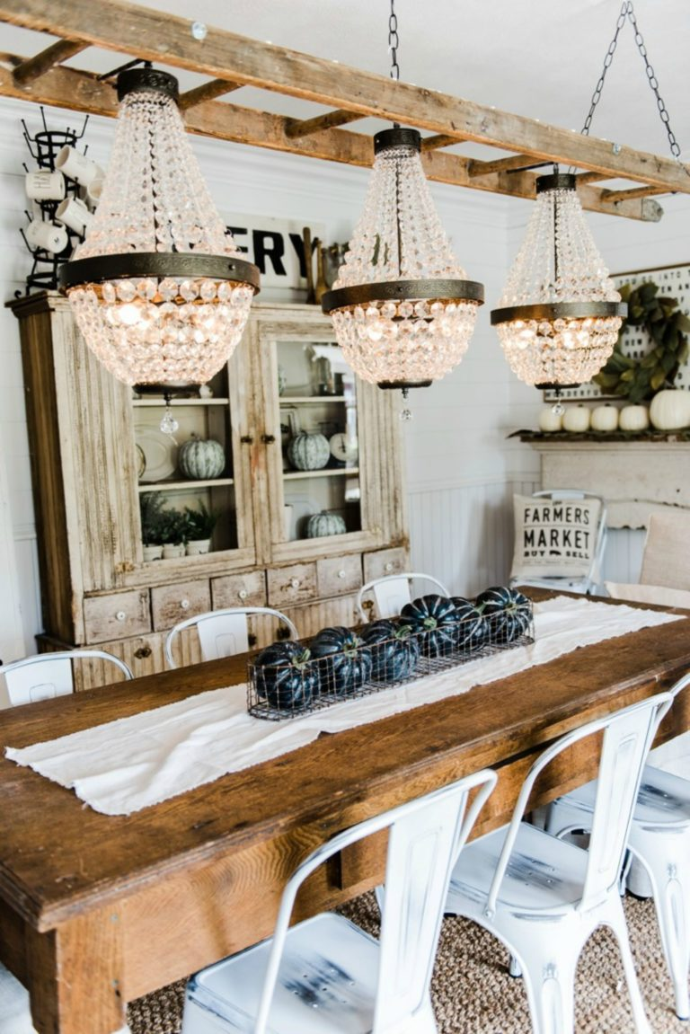 13 Gorgeous Farmhouse Chandeliers for Every Home