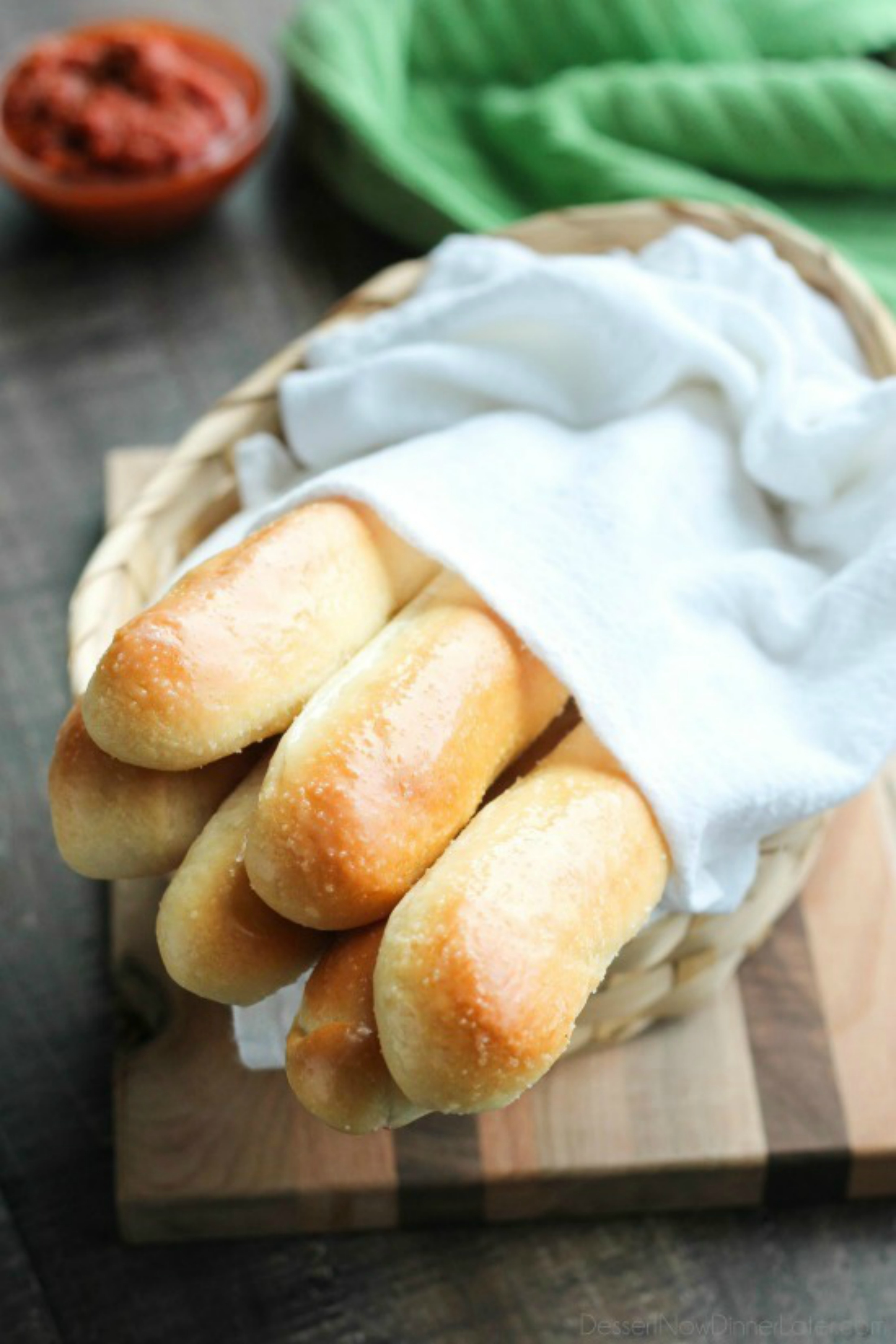 12 easy olive garden recipes for a crowd hallstrom home for Olive garden breadsticks recipe