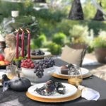 Our Elegant Farmhouse Halloween Tips chic Halloween Party Halloween chic elegant Halloween dinner party Halloween party themes Halloween party ideas for adults Halloween tablescape Halloween party decor sophisticated Halloween dinner party halloween chic kids parties halloween party hallstromhome