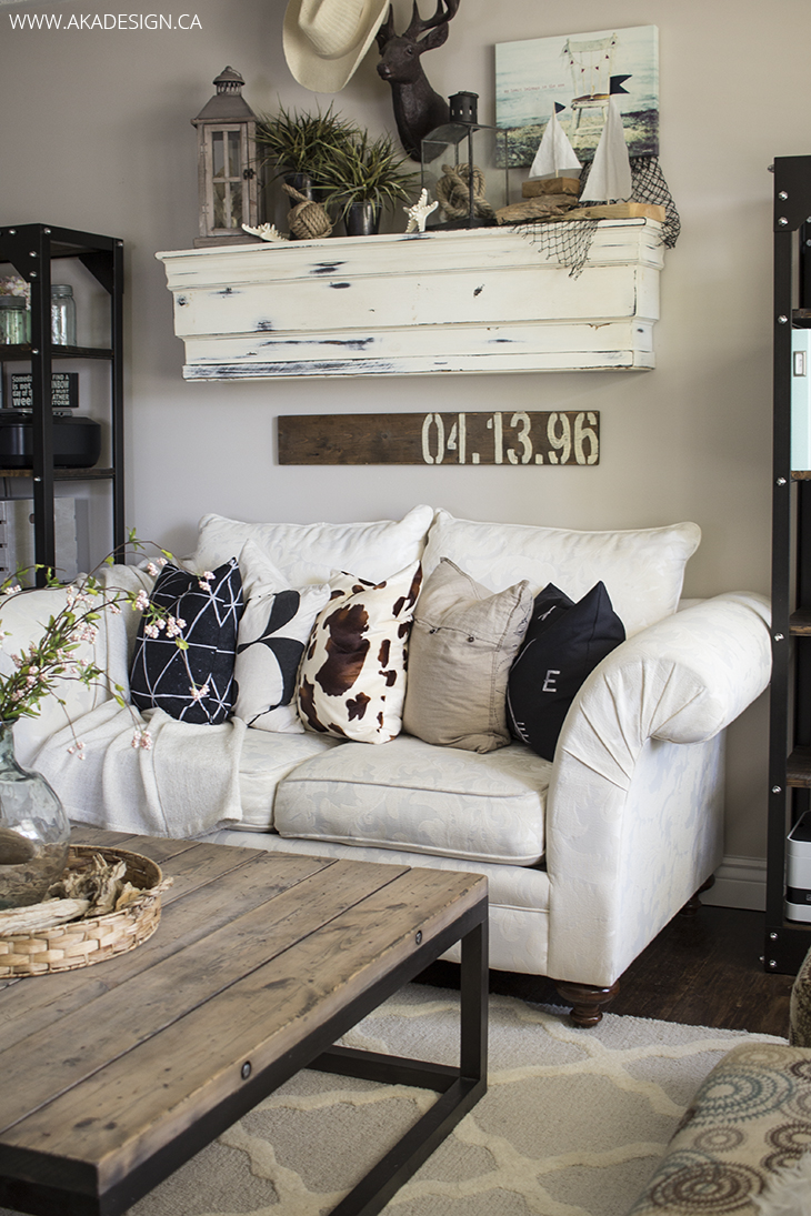 10 Gorgeous Farmhouse Living Rooms farmhouse living room shabby chic white farmhouse farmhouse decor living room update antique diy tutorials update new year new home decor winter decor shabby chic farmhouse how to pillows farmhouse pillows magnolia chip and joanna joanna gaines hallstrom home