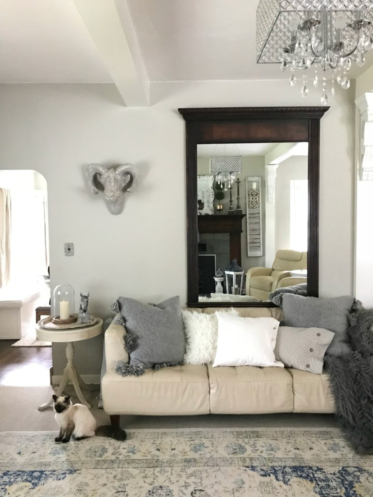 Farmhouse Chic Living Room Decor: My Neutral Shabby Chic Farmhouse