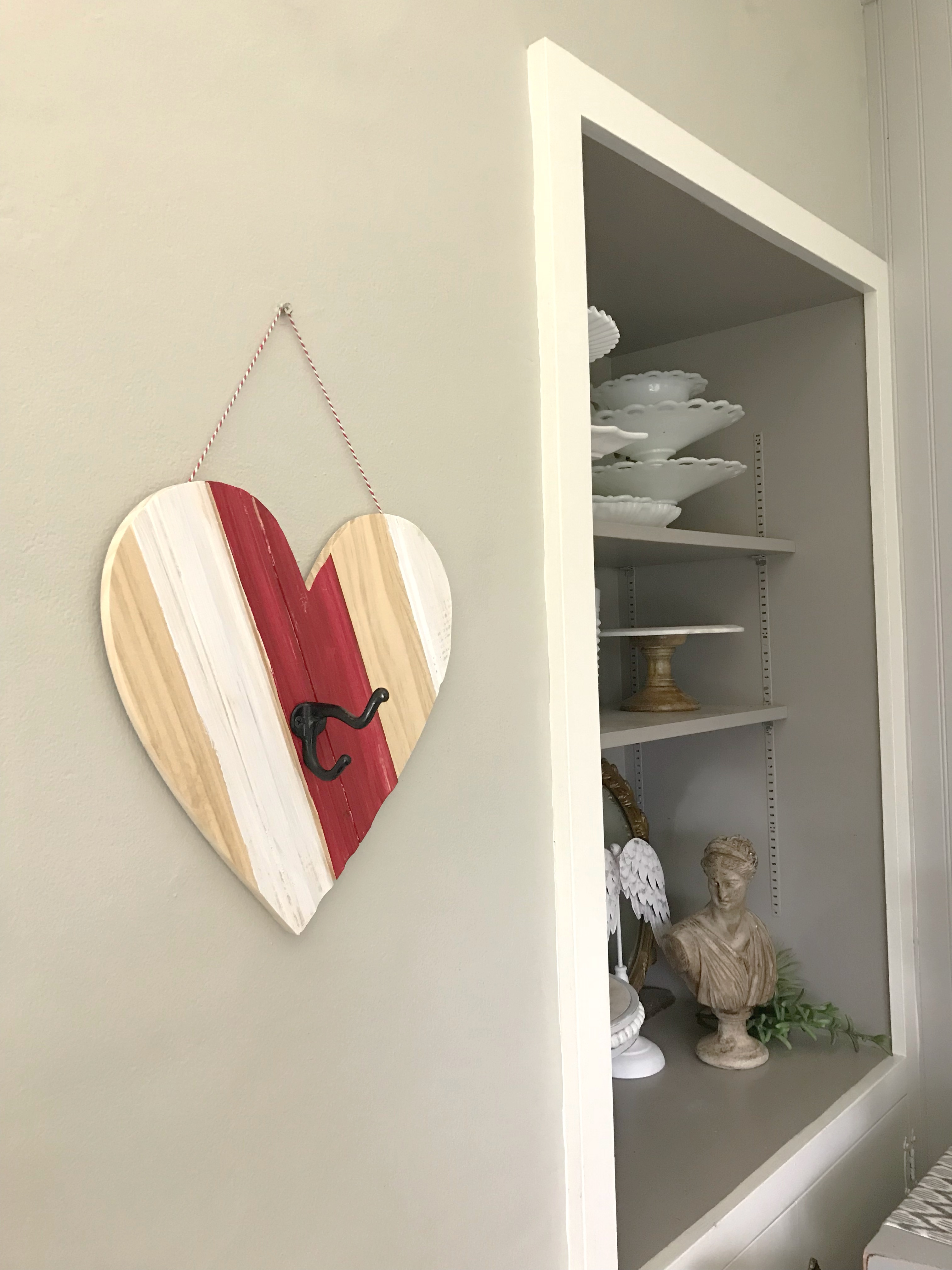 Heart Shape with Coat Hook and storage nook with cake stands
