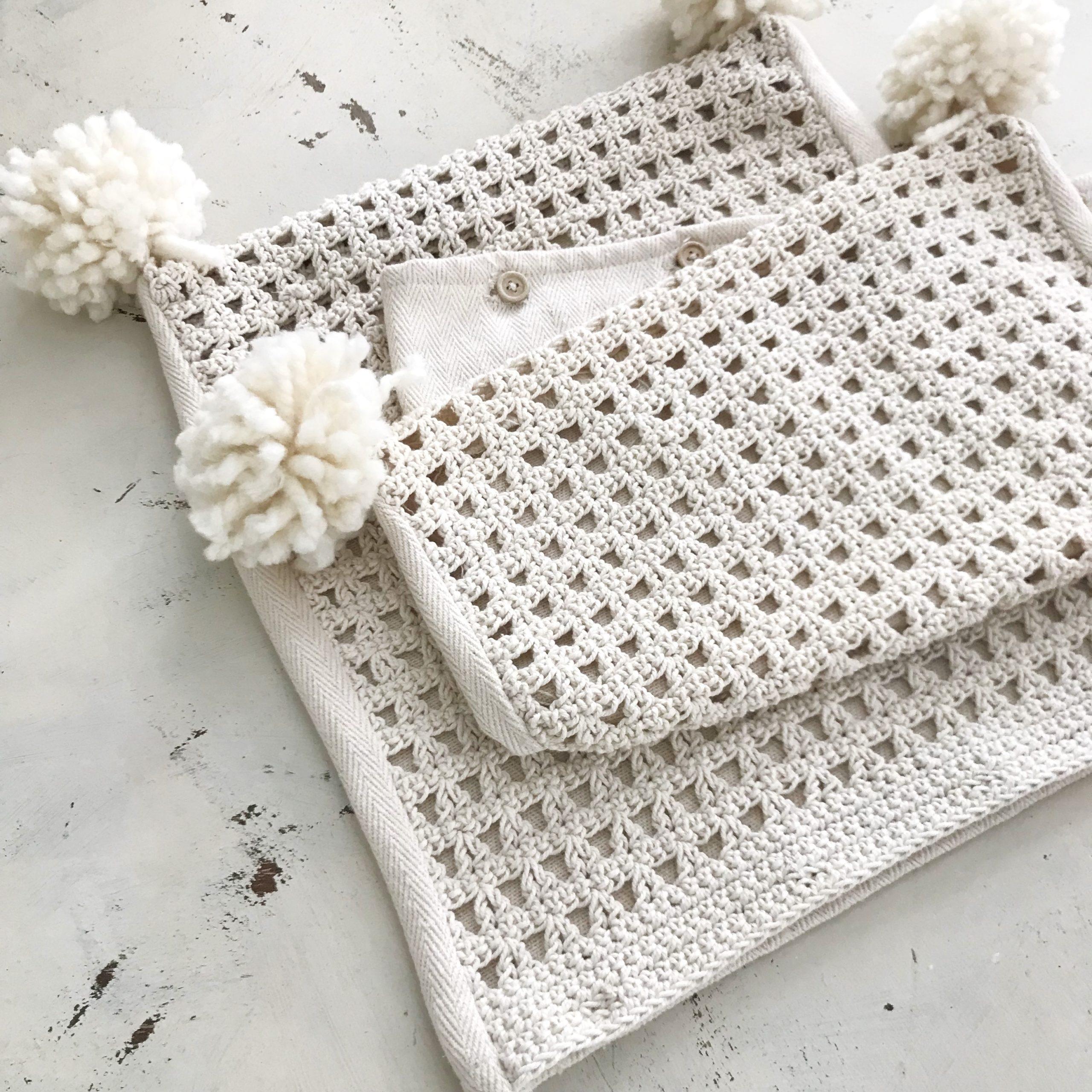 Wool Pom Pom Tutorial for Crafts