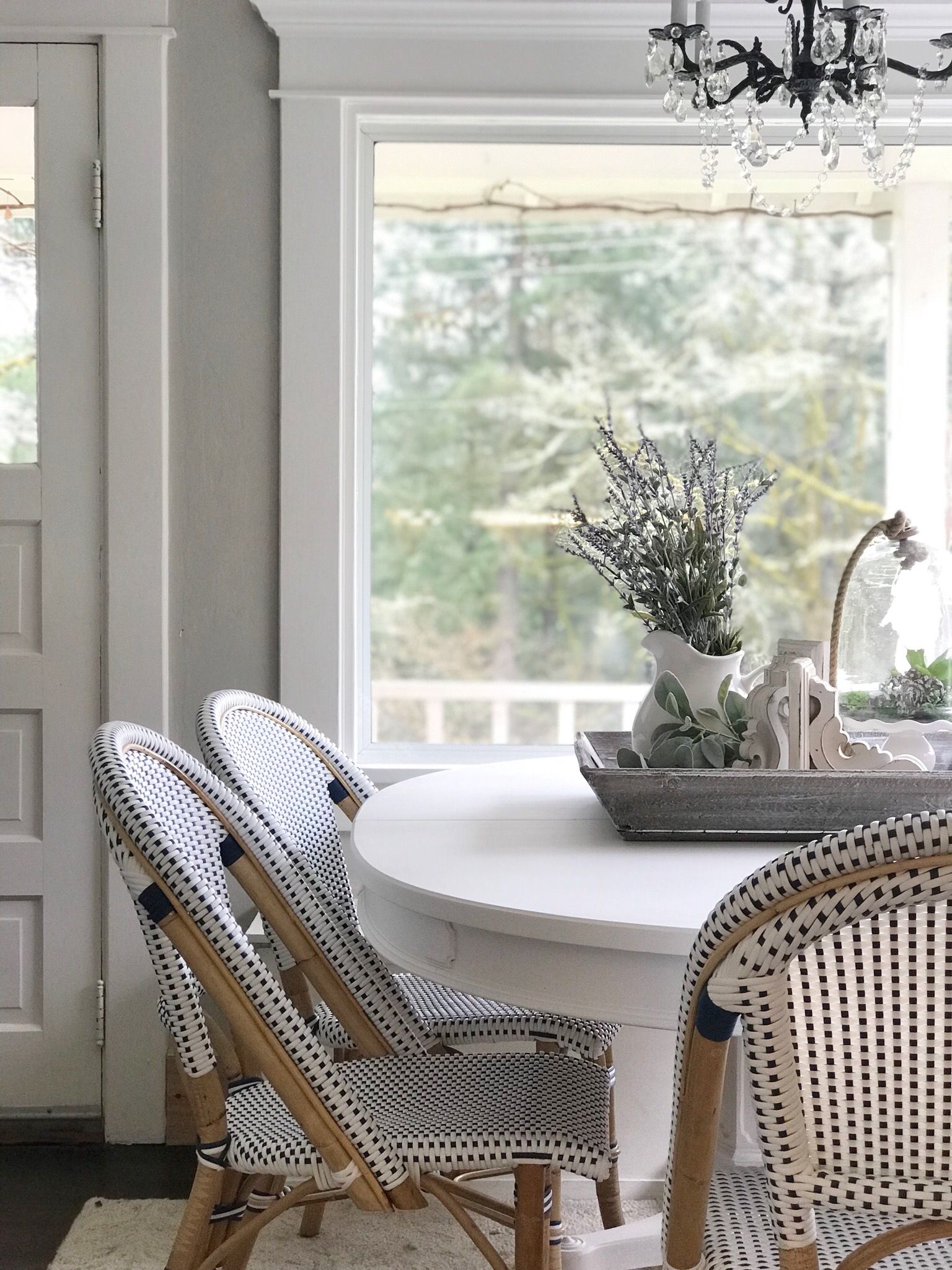 Breakfast Room Table Makeover / Chalk Paint Recipe