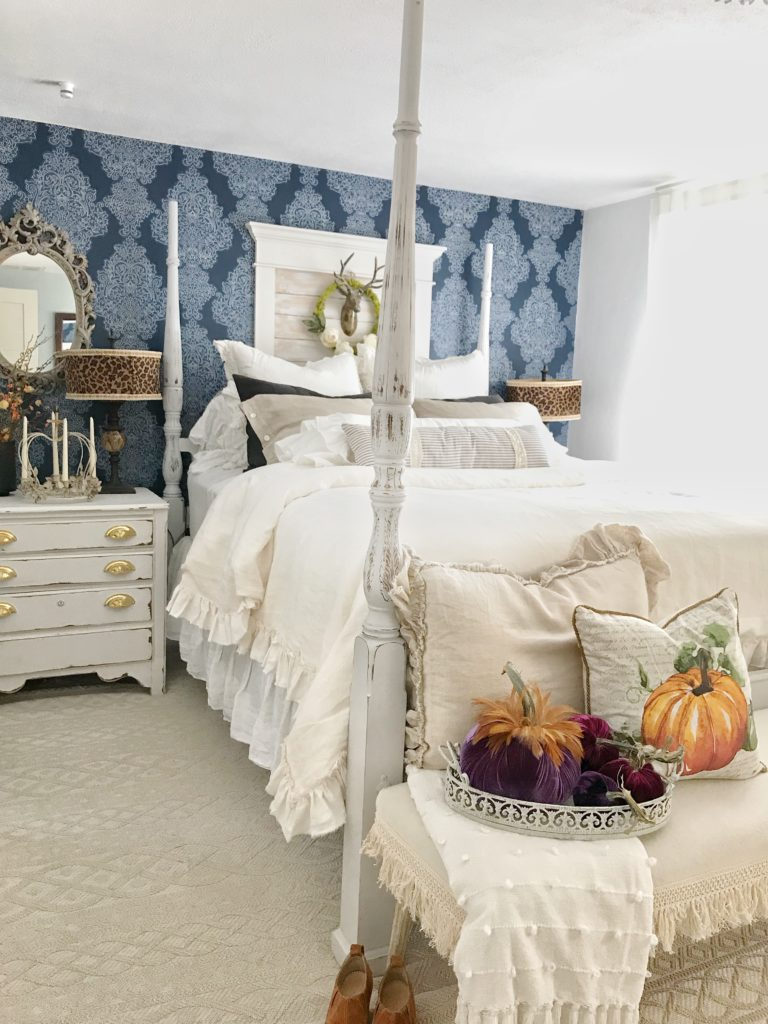 How to Decorate Bedrooms for Easy Fall Decor