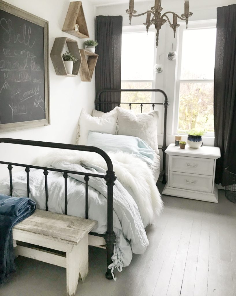 5 style tips for a teen girls boho farmhouse bedroom - Teen girl room decor ...