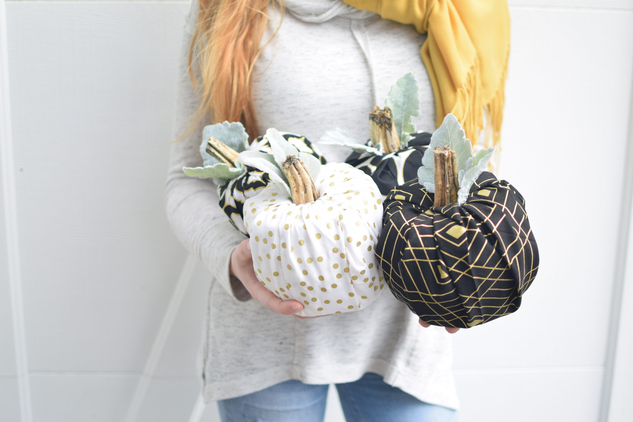 Easy Fabric Pumpkins/ No Sew Tutorial