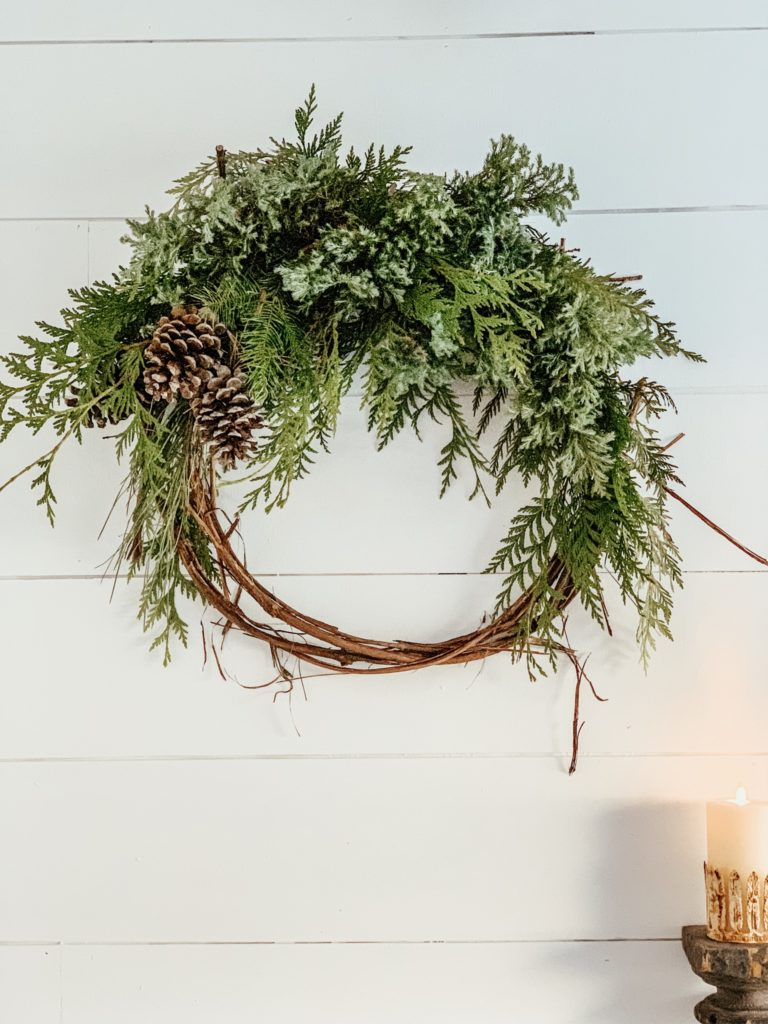 How to Keep it Simple this Christmas Season/Home Tour #minimalchristmas#simplechristmasdecor#howtosimplifychristmas#christmasdecor#simplechristmas #stressfreechristmas#farmhousechristmas#christmashomedecor#minimalchristmas#hallstromhome