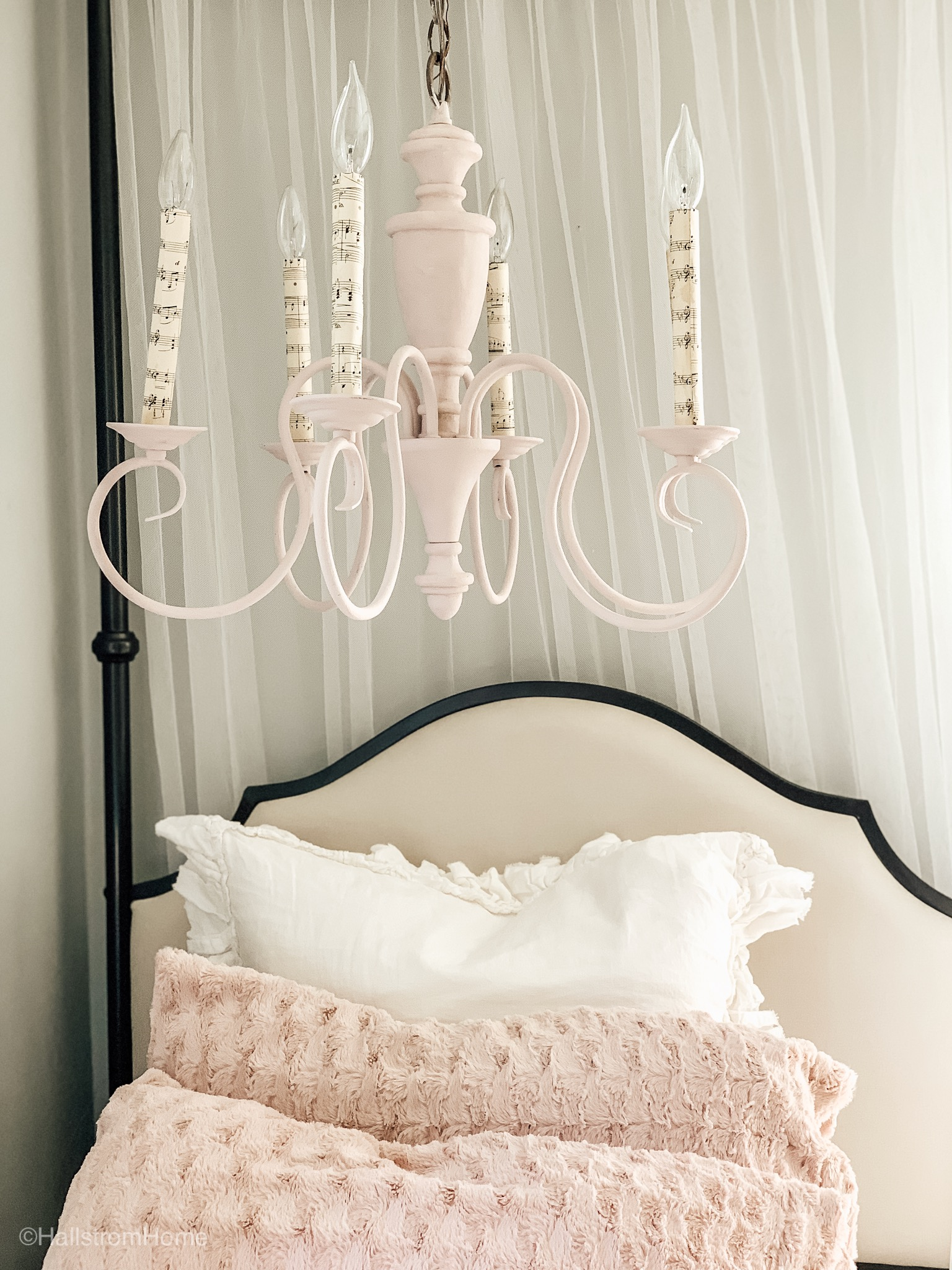 Chandelier Makeover in Minutes\Bedroom on a Budget|diy chalk paint|chalk paint|chalk paint tips|shabby chic decor|bedroom makeover|how to|kids crafts|diy crafts|farmhouse decor|shabby chic farmhouse decor|chandelier makeover|chandelier update|how to chalk paint on metal|hallstrom Home