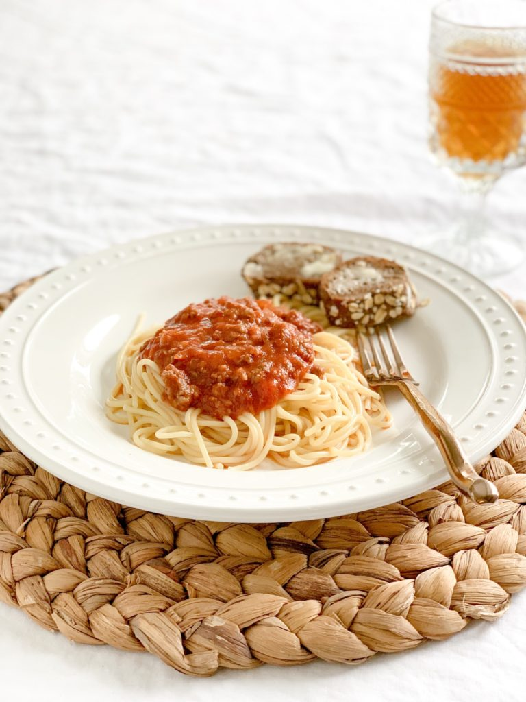 Tom's Famous Spaghetti Sauce with Meat|easy spaghetti sauce|spaghetti meat sauce|homemade spaghetti|easy recipe|best spaghetti sauce|kids recipes|recipe kids will love|best recipe|best spaghetti recipe|quick recipes|easy homemade spaghetti sauce|hallstromhome