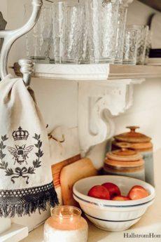 Stencil Tea Towel Tutorial with Chalk Paint|stenciled tea towel|Vintage kitchen tea towels|painted dish towels|decorating tea towels|how to stencil a tea towel|farmhouse diy|diy craft|kids craft|french cottage|french bee stencil|home decor|shabby chic|hallstrom home