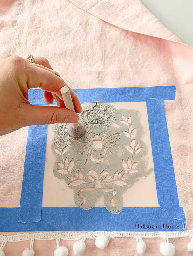 Stencil Tea Towel Tutorial with Chalk Paint|stenciled tea towel|Vintage kitchen tea towels|painted dish towels|decorating tea towels|how to stencil a tea towel|farmhouse diy|diy craft|kids craft|french cottage|french bee stencil|home decor|shabby chic|hallstrom home
