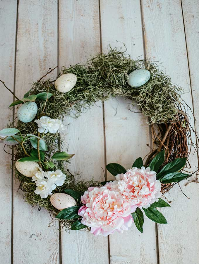 How to make a floral grapevine wreath