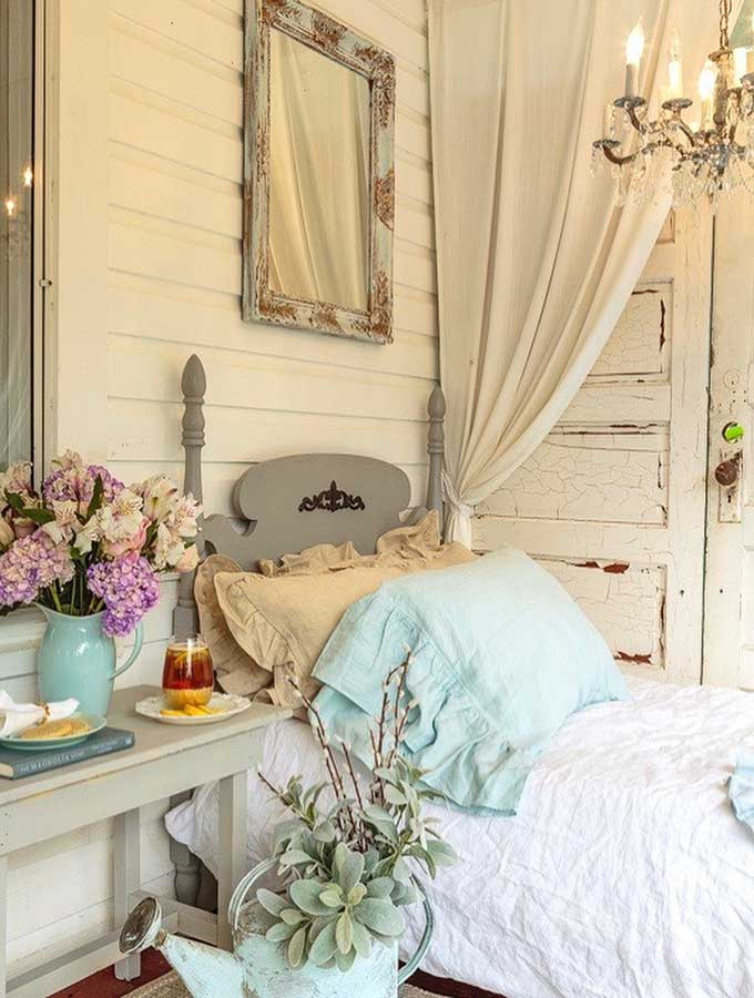 Farmhouse Front Porch|country style porch|farmhouse decor|shabby chic|shabby chic porch|front porch ideas|Modern Farmhouse|Farmhouse decor|home decorating ideas|home decor|farmhouse decor|shabby chic decor|hallstrom home