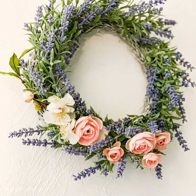 Spring Wreath Ideas|unique Spring wreath ideas|spring wreath diy|wreath diy|easter wreath|succulent wreath|boxwood wreath|cotton stem wreath|bicycle wreath|floral wreath|Spring wreath Pinterest|diy wreath ideas|how to make a floral wreath|Spring wreath ideas with burlap|grapevine wreath for spring|Spring wreath ideas for front door|spring diy|kids diy|easy diy|homemade Spring wreath ideas|Hallstrom Home