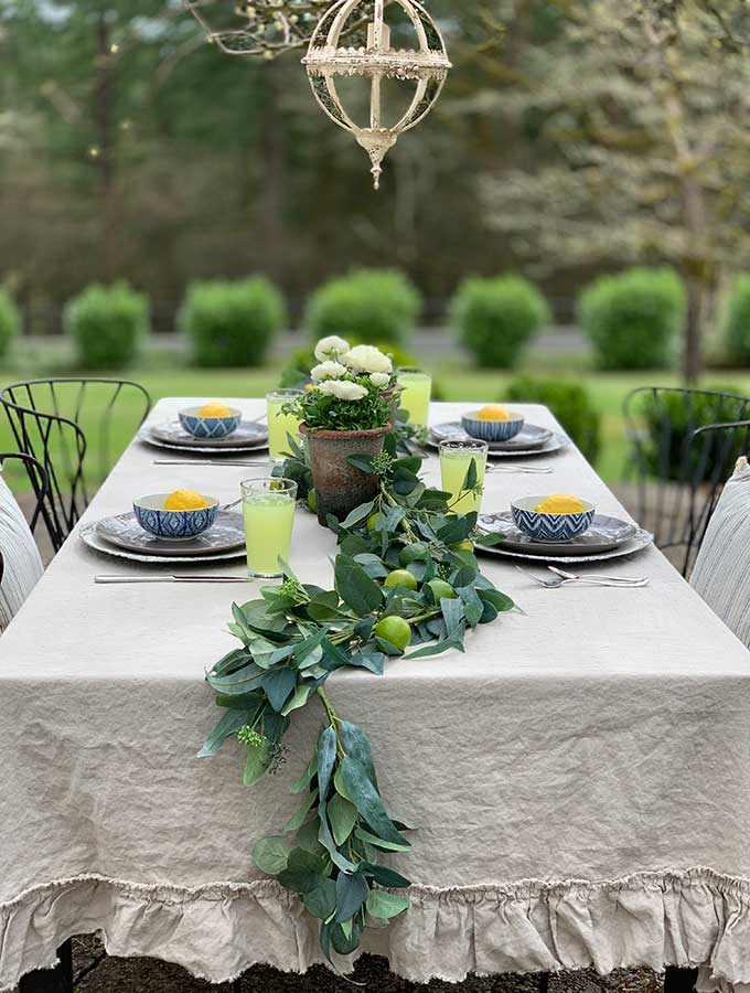Spring Outdoor Table Ideas