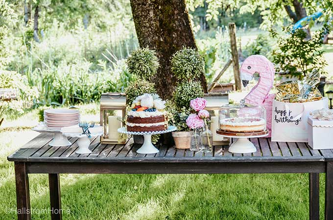 Easy Backyard Flamingo Birthday Party |party planning|big girls birthday party|girls birthday party|flamingo party|party decor|outdoor birthday party|outdoor party|outdoor flamingo party|easy party decor|party decorating|cake recipe|summer party|summer birthday|diy birthday party|Hallstrom Home