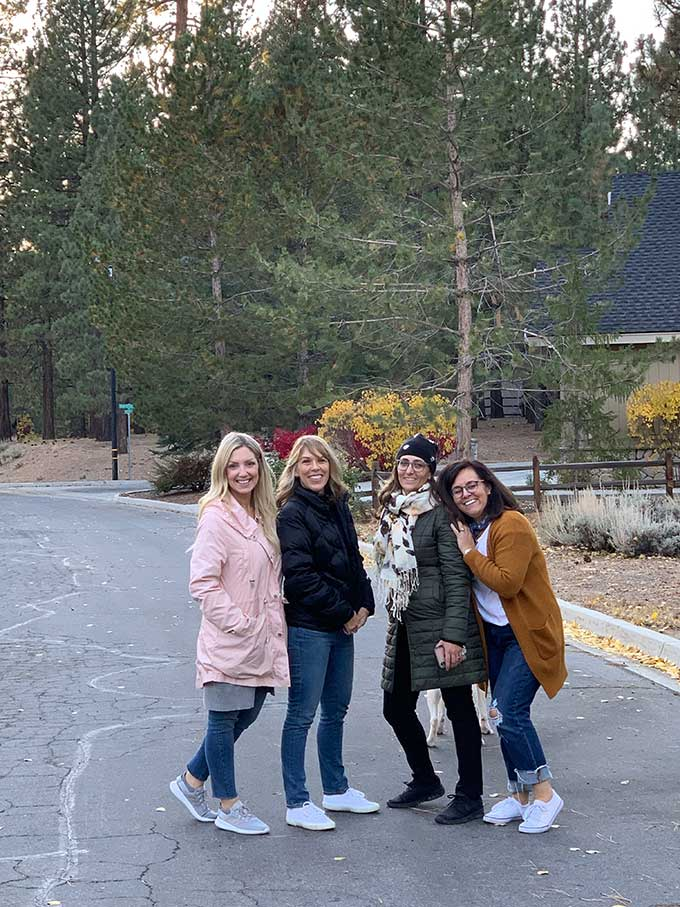 My Trip to Big Bear with Fig and Twigs |Craft diy|craft weekend|farmhouse style|big bear lake|pumpkin crafts|fall crafts|painting diy|painting crafts|flower arrangements|girls weekend|getaway weekend|fall tablescapes|french decor|french style|Hallstrom Home