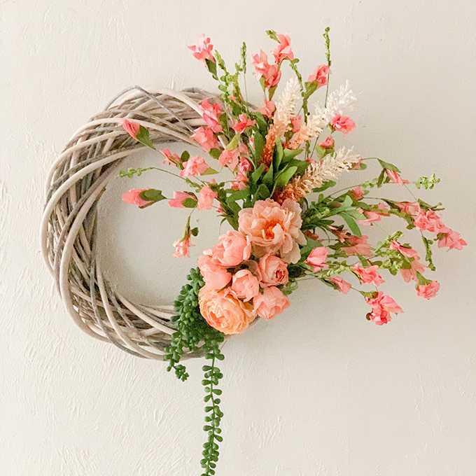 How To Make a Spring Wreath; Step By Step Guide |wreath diy|spring wreath|front door wreath|shabby chic wreath|farmhouse wreath|farmhouse decor|mudroom|mudroom update|brick wall|angel statue|easter wreath|easter egg wreath|farmhouse style|white farmhouse|farmhouse mudroom|wreath tutorial|Hallstrom Home