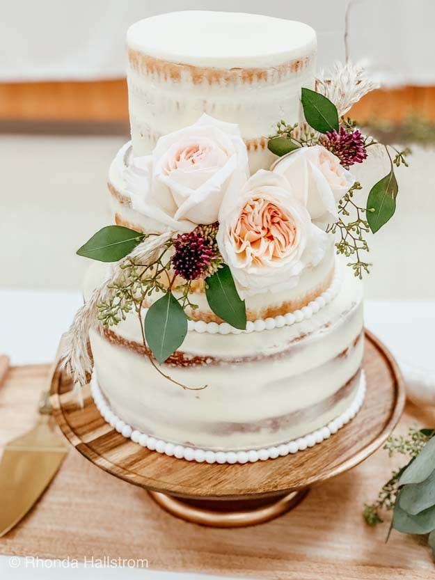 Naked Cake for Weddings |naked cake|wedding cake|naked cake ideas|naked cake with oranges|party cake|how to decorate cake|chocolate cake|vanilla cake|easy frosting|best frosting recipe|berry cake|wedding cake ideas|farmhouse cake|party planning|frosting recipe| Hallstrom Home