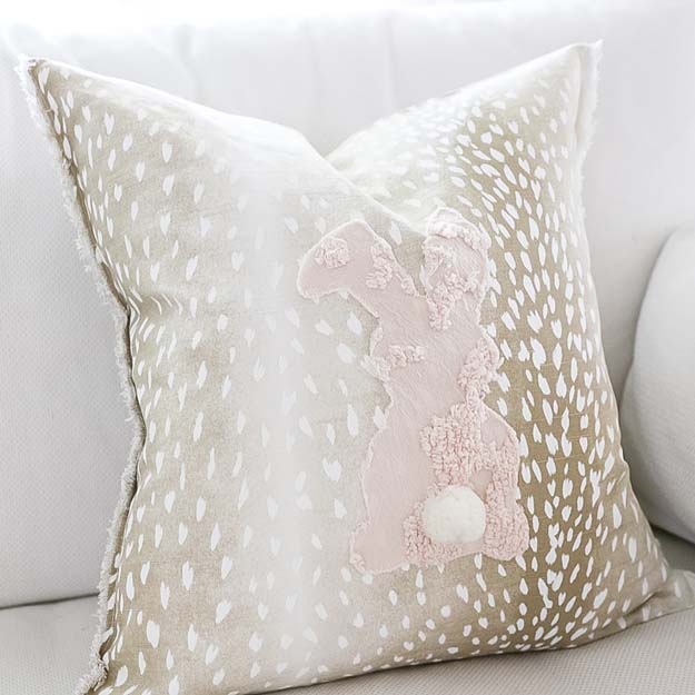 Trending Pillows for Home Decor |home decor|throw pillow|pillow trends|farmhouse pillow|throw pillow trends|boho pillows|boho home|farmhouse style|farmhouse pillows|shabby chic|shabby chic decor|cottage decor|striped pillow|best pillows|tassel pillows|pom pom pillows|lumbar pillows|modern throw pillow|Hallstrom Home