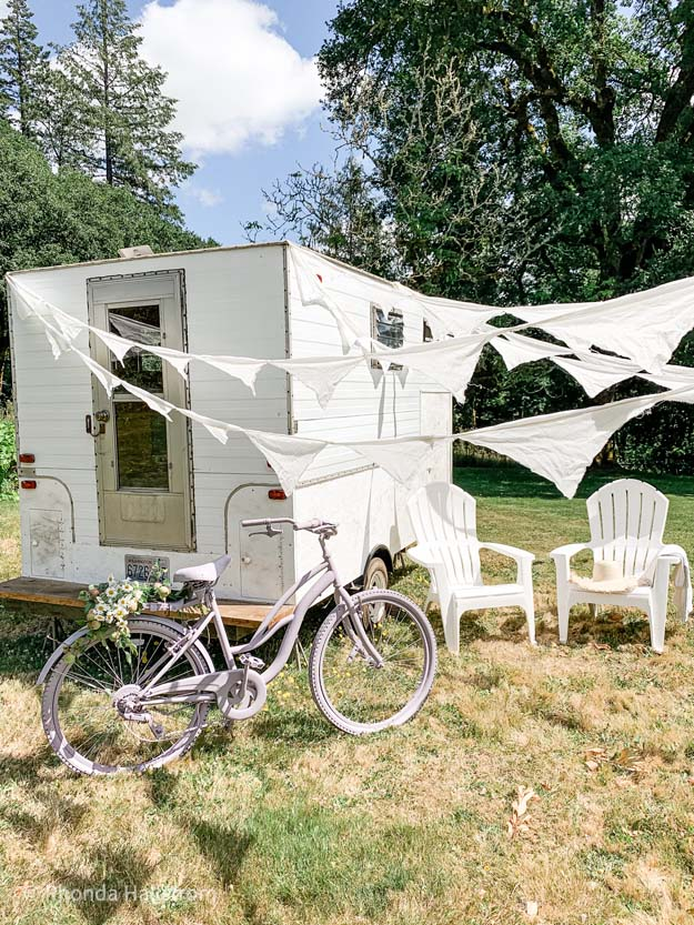 Camper Trailer Fixer Upper |camper reno|camper renovation|trailer reno|trailer renovation|diy fixer upper|fixer upper|diy trailer|update trailer|trailer update|shabby chic trailer|gypsy trailer|shabby chic|caravan|caravan reno|farmhouse style|modern farmhouse|HallstromHome