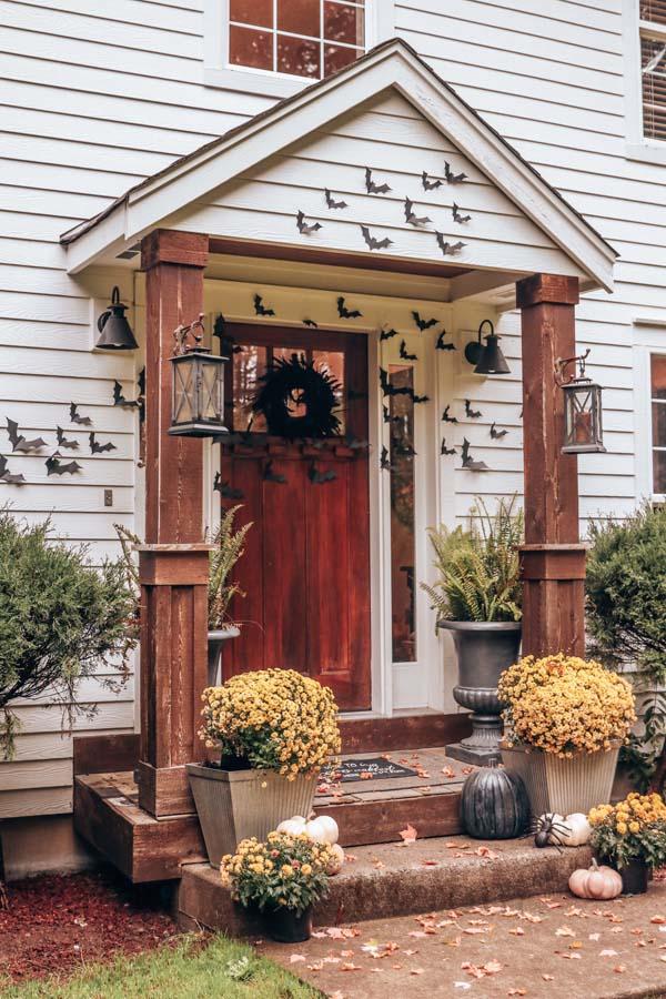 Halloween Bat Porch Decor with Printable |diy your porch|bat printables|halloween porch|spooky halloween|bat printables|cricut machine bats|farmhouse halloween|outdoor bat decorations|halloween diy|easy halloween diy|halloween porch with bats|Hallstrom Home