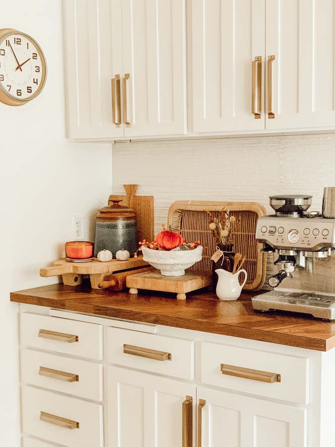 Fall Kitchen Decor on a Budget |fall on a budget|decor budget|fall kitchen tour|fall home tour|fall decor|budget decorating|budget friendly decor|farmhouse style|fall farmhouse|fall budget tips|Hallstrom Home