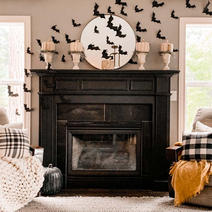 Halloween Mantel |how to decorate mantel|style for halloween|black and white halloween|glam goth halloween|spooky halloween|bat mantel|halloween mantel with bats|halloween mantel ideas|halloween decorations|hallstromhome