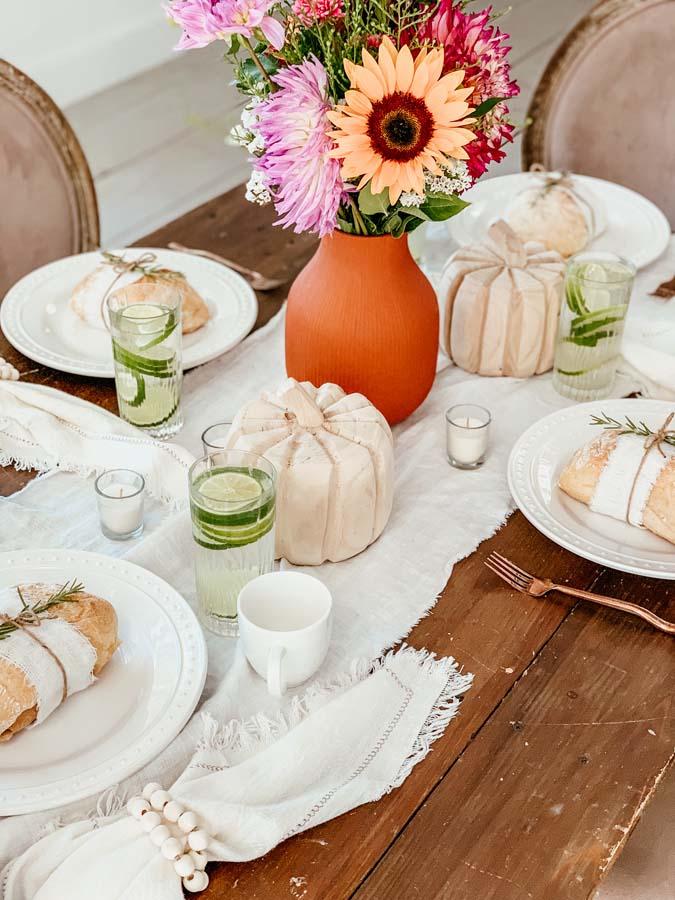 Fall Tablescapes|farmhouse decor|fall table|fall centerpiece|fall bouquet|fall farmhouse tablescape|20 fall centerpieces|pumpkin decor|fall pumpkin|fall tablescape decorations|HallstromHome