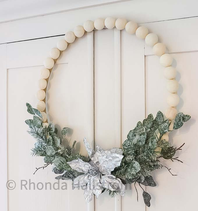 Wood Bead Wreath DIY |Split wood ball wreath|split ball wreath|wood ball wreath|farmhouse wreath|diy wreath|diy farmhouse wreath|wreath tutorial|wreath tutorial diy|split wood ball wreath|hallstrom home