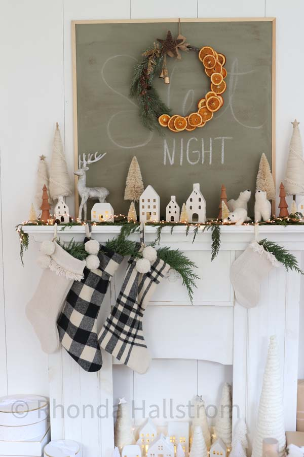 Dried Orange Wreath |dried orange diy|wreath diy|christmas wreath|easy wreath tutorial|farmhouse decor|farmhouse Christmas|vintage christmas|dried oranges|dried orange wreath tutorial|orange garland|HallstromHome