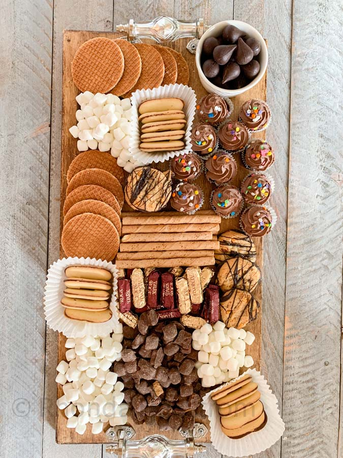 How to Build a Dessert Charcuterie Board |dessert board|party planning|dessert tray|charcuterie board|serving tray|dessert tray|party decor|holiday party|holiday recipe|easy recipe|dessert recipe|build a charcuterie board|dessert tray|HallstromHome