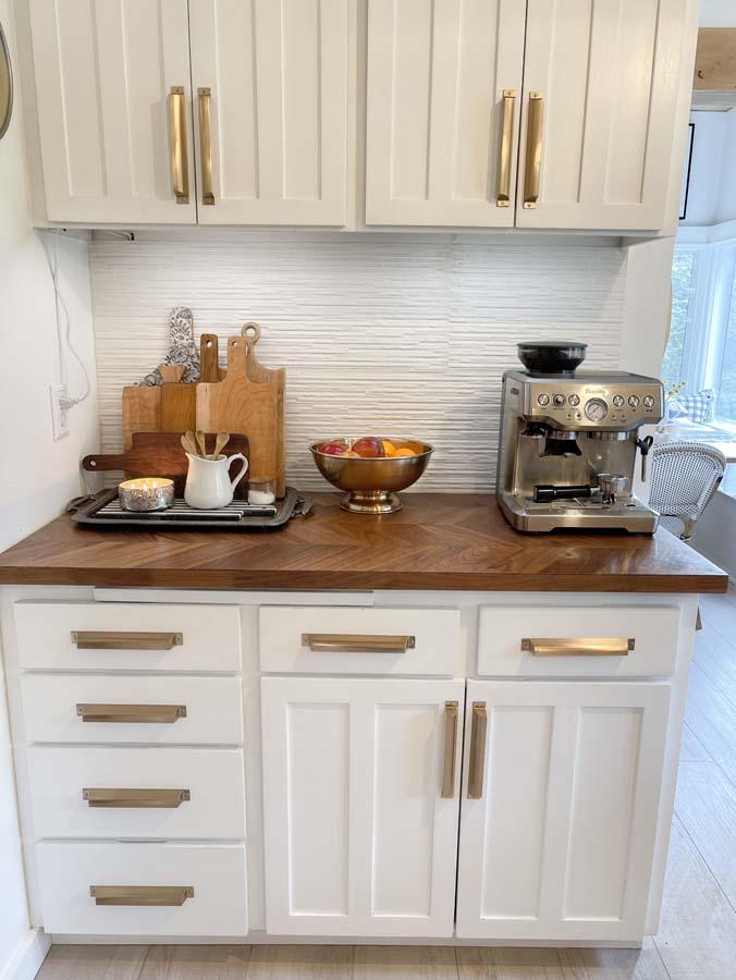 How to Organize Kitchen Drawers |kitchen organization|farmhouse kitchen|organize kitchen|clean kitchen|spring cleaning|home organizing|kitchen decor|shabby chic|modern Kitchen|kitchen drawer organizing|Hallstrom Home